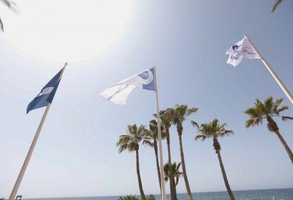 Bnaderas de calidad en playas de almeria