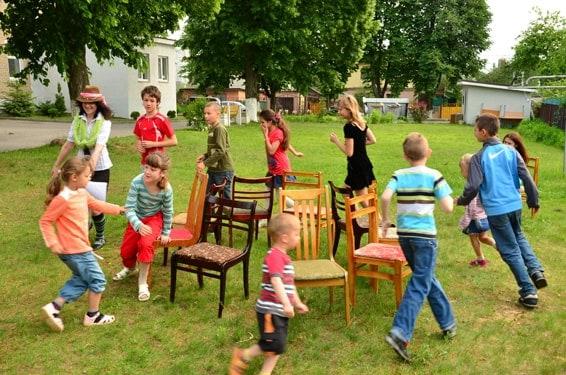 juego de las sillas para niños